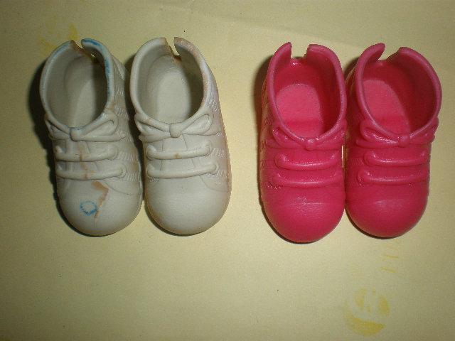芭比娃娃鞋与PU鞋对比