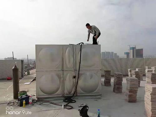 冷水箱安装