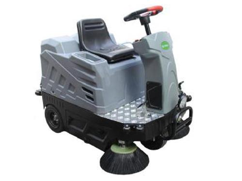 駕駛式掃地機