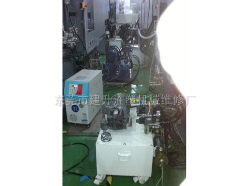 专配电动注塑机抽芯工作系统