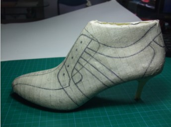 鞋样设计 鞋培训 鞋培训 秋鞋在楦设计 公司主营:鞋样设计培训,鞋子