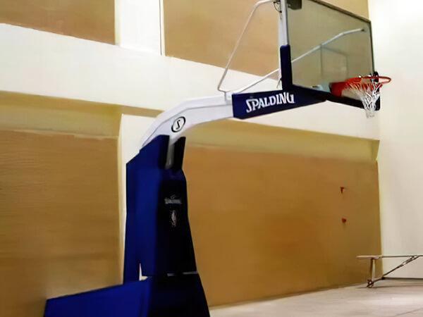 高仿斯伯丁电动液压篮球架