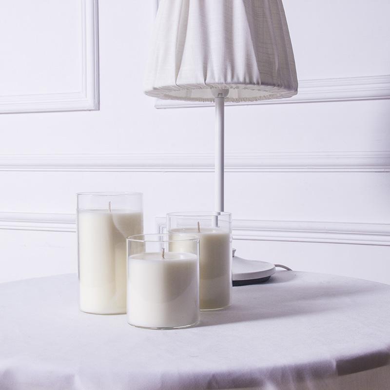 白色透明杯