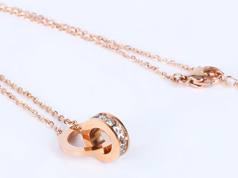 环环相扣钛钢项链