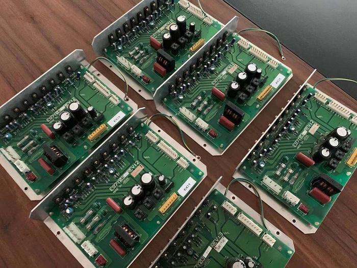 E97Y03大金風冷冷水機組電源板