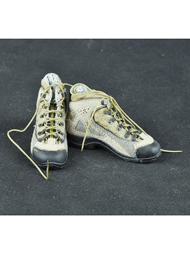 16兵人军鞋