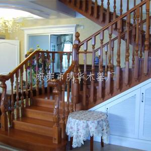别墅实木楼梯扶手安装要多少钱?
