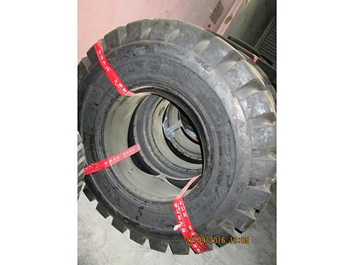 上海巨威铲车胎,朝阳劲狮铲车胎
