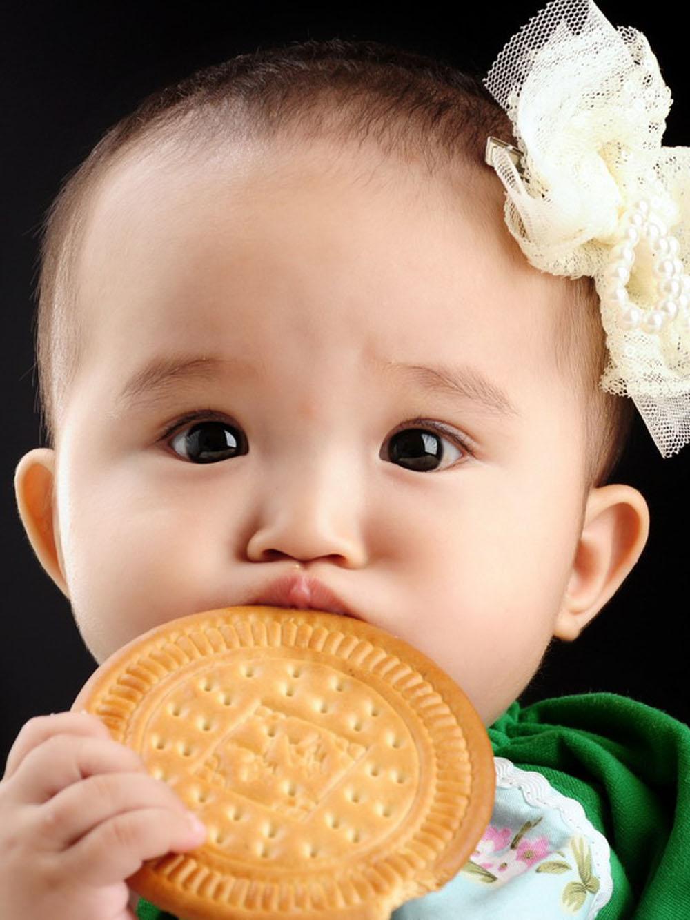 宝宝 壁纸 孩子 小孩 婴儿 1000_1333 竖版 竖屏 手机