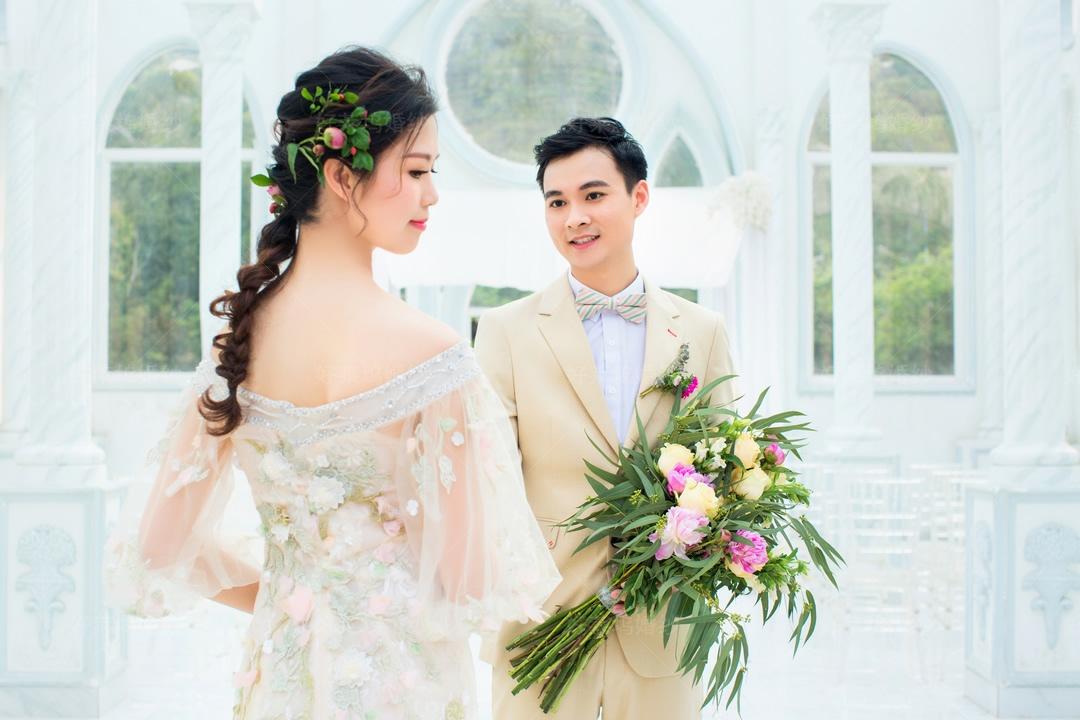中堂婚纱照哪家拍的好,找中堂婚纱摄影,来好莱坞婚纱摄影工作室