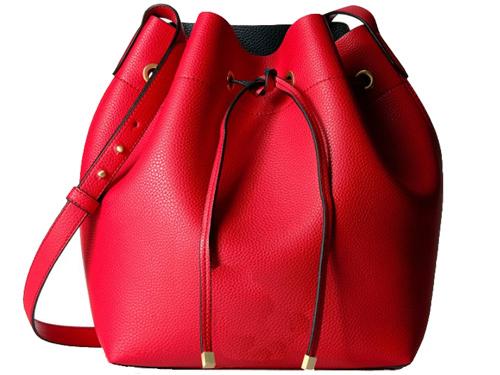 红色水桶包