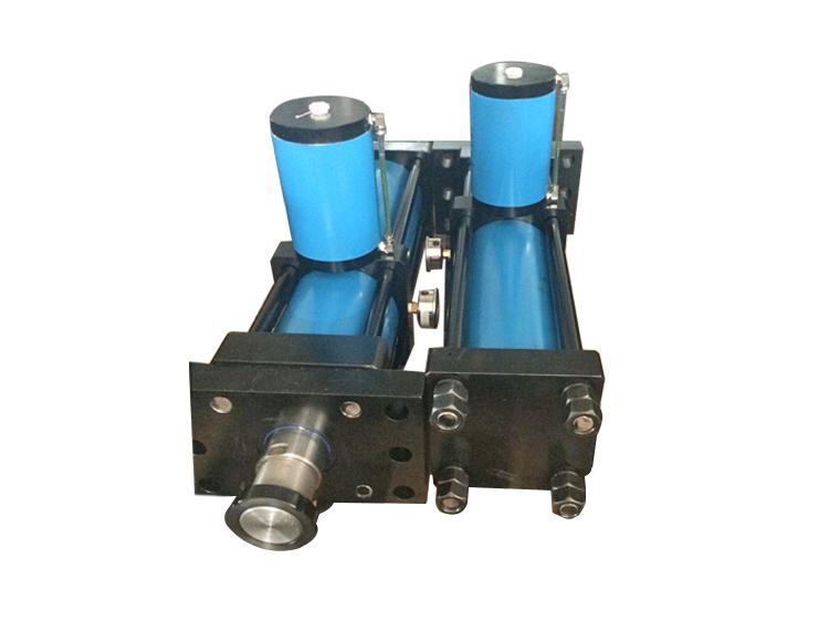 直压式水平安装气液增压缸