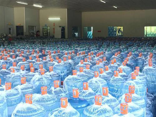 道窖學校瓶裝水生產_源美飲料_酒店_夏力王_海龍山泉_貼牌_公司