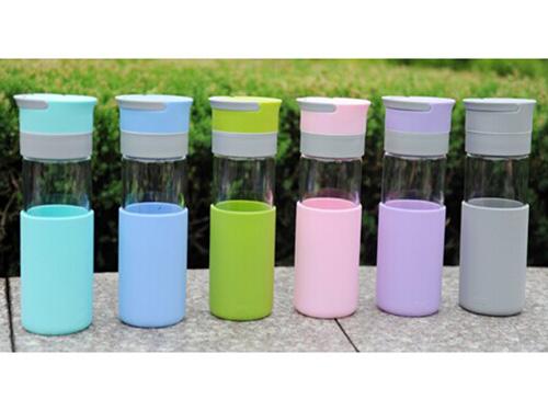 東莞硅膠水杯廠家 硅膠保護套批發
