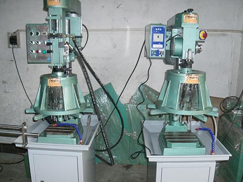 油壓自動鉆孔機機器