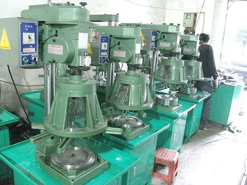 油壓自動鉆孔機生產