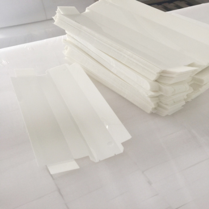 乳白色電機膜