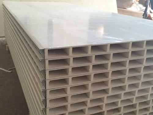 玻镁彩钢板生产