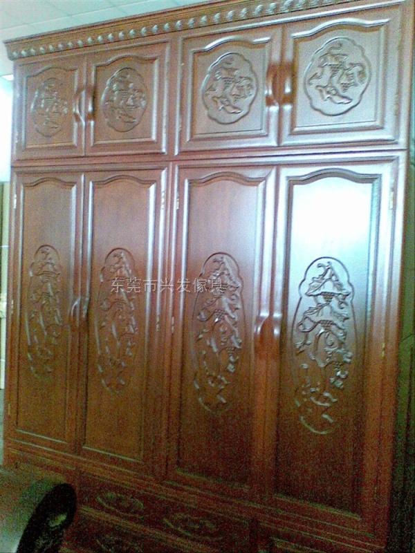 红木四门衣柜