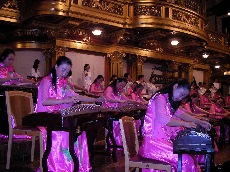 2006年万卫老师赴维也纳金色大厅演出剧照
