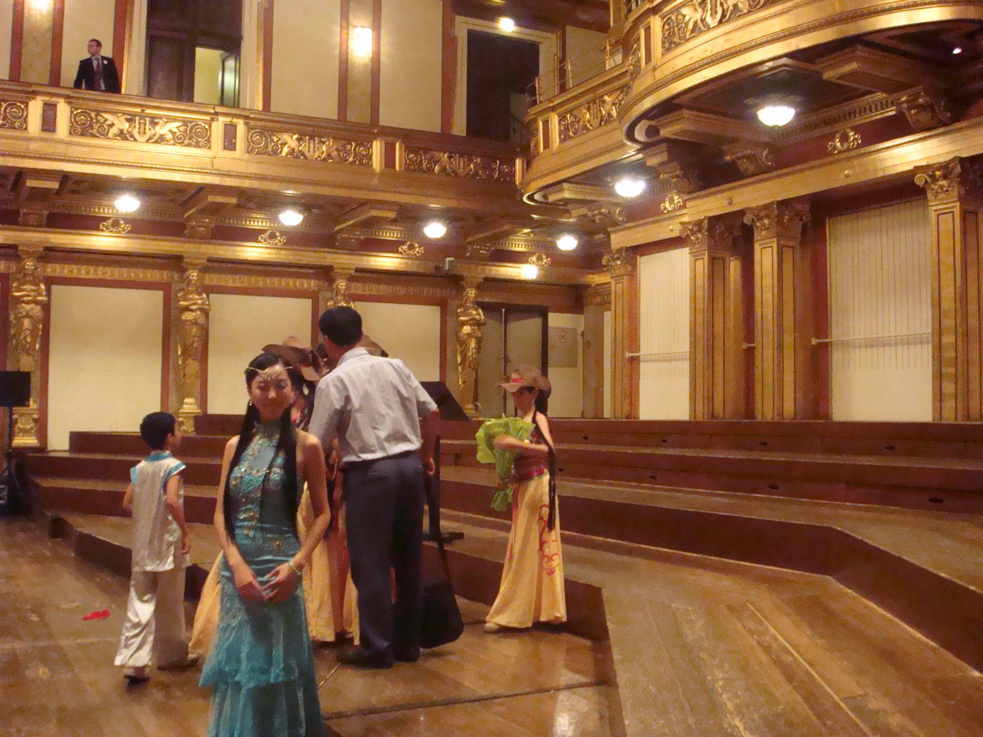 2008年学生刘鑫琼、叶静菲维也纳金色大厅演出剧照