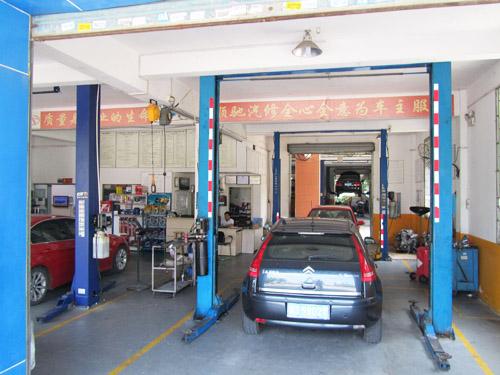忙碌的生产车间