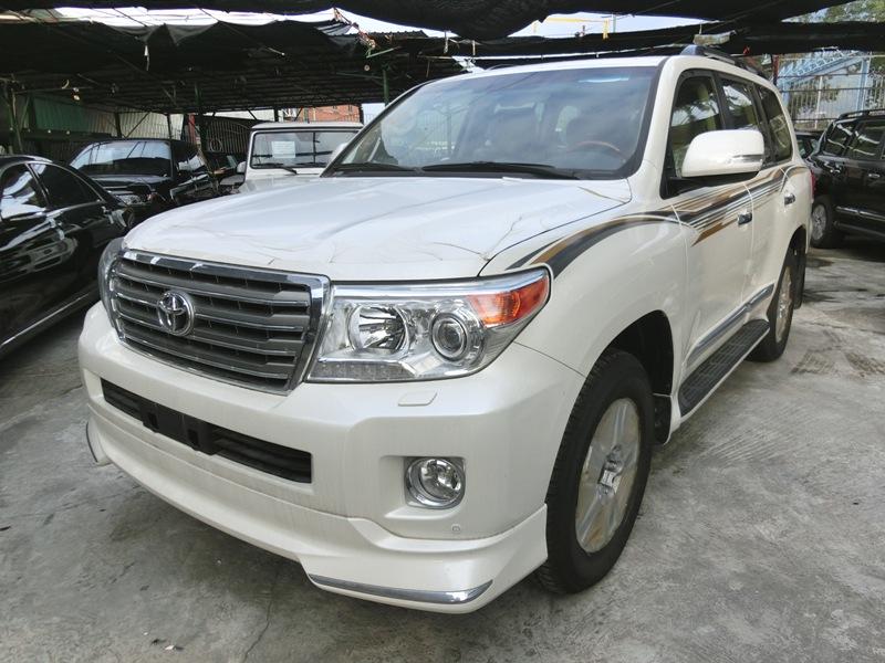 2014 全新豐吉 VX-R 4600 雙備呔 中東版 白色米皮 JT039