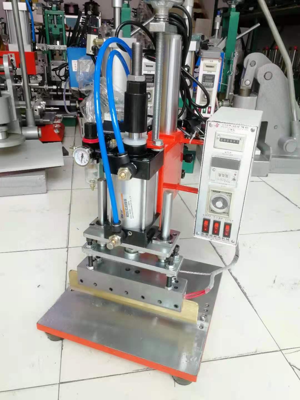 小型氣動壓線機