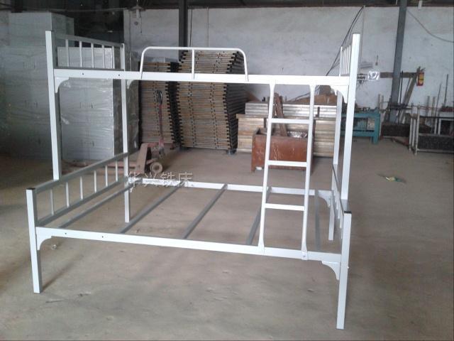双层铁床生产,双层铁架床,双层架子床,双层员工铁床找华兴铁床厂
