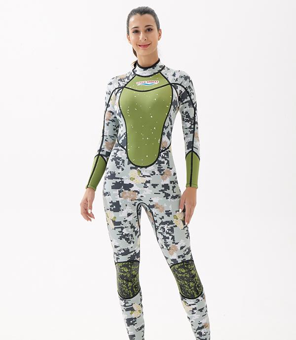 绿色潜水冲浪衣