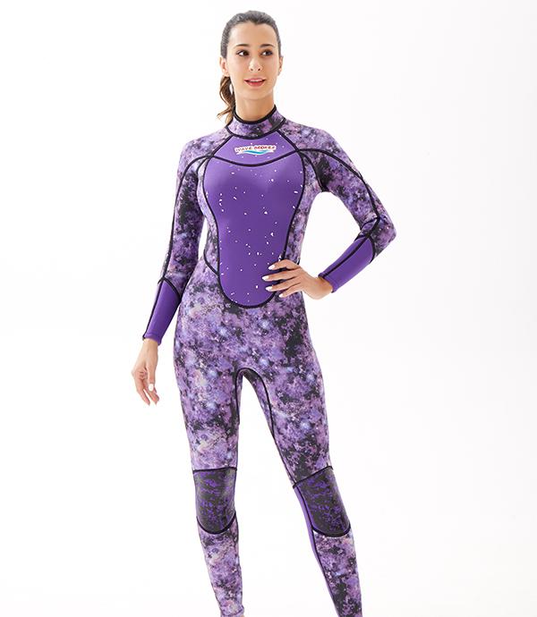 紫色潜水冲浪衣