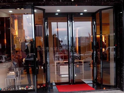 黑镜不锈钢边框玻璃门|东莞市佰拓门业科技有限公司