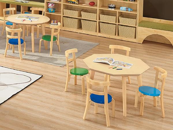 圆形棱形桌椅组合