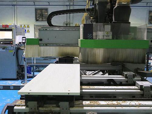 萃智智能_東莞PVC塑料板材非標自動化設備_廠家直招代理商_產品招商嘛