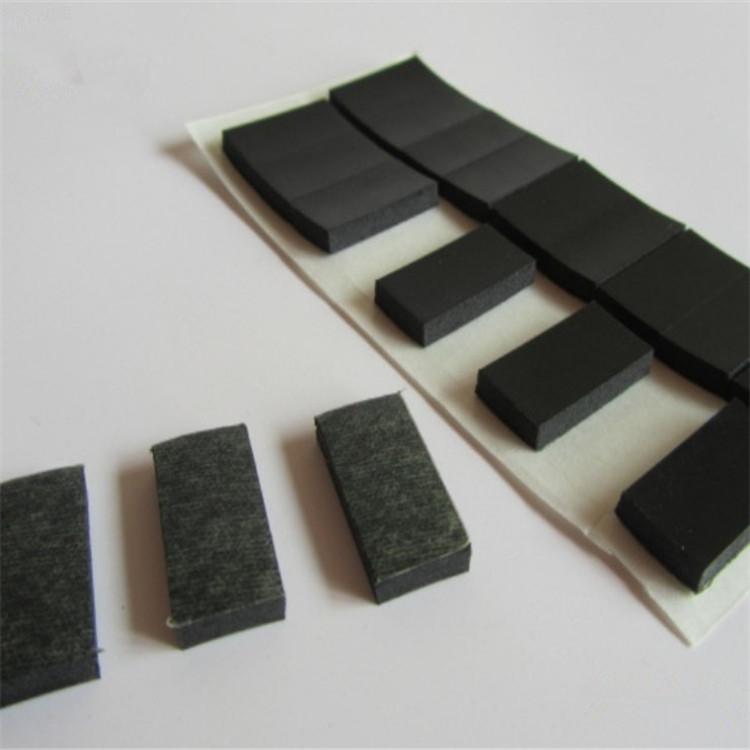 廠家自粘黑色硅膠墊加工格紋滑防自粘硅膠膠墊密封防震透明墊圈