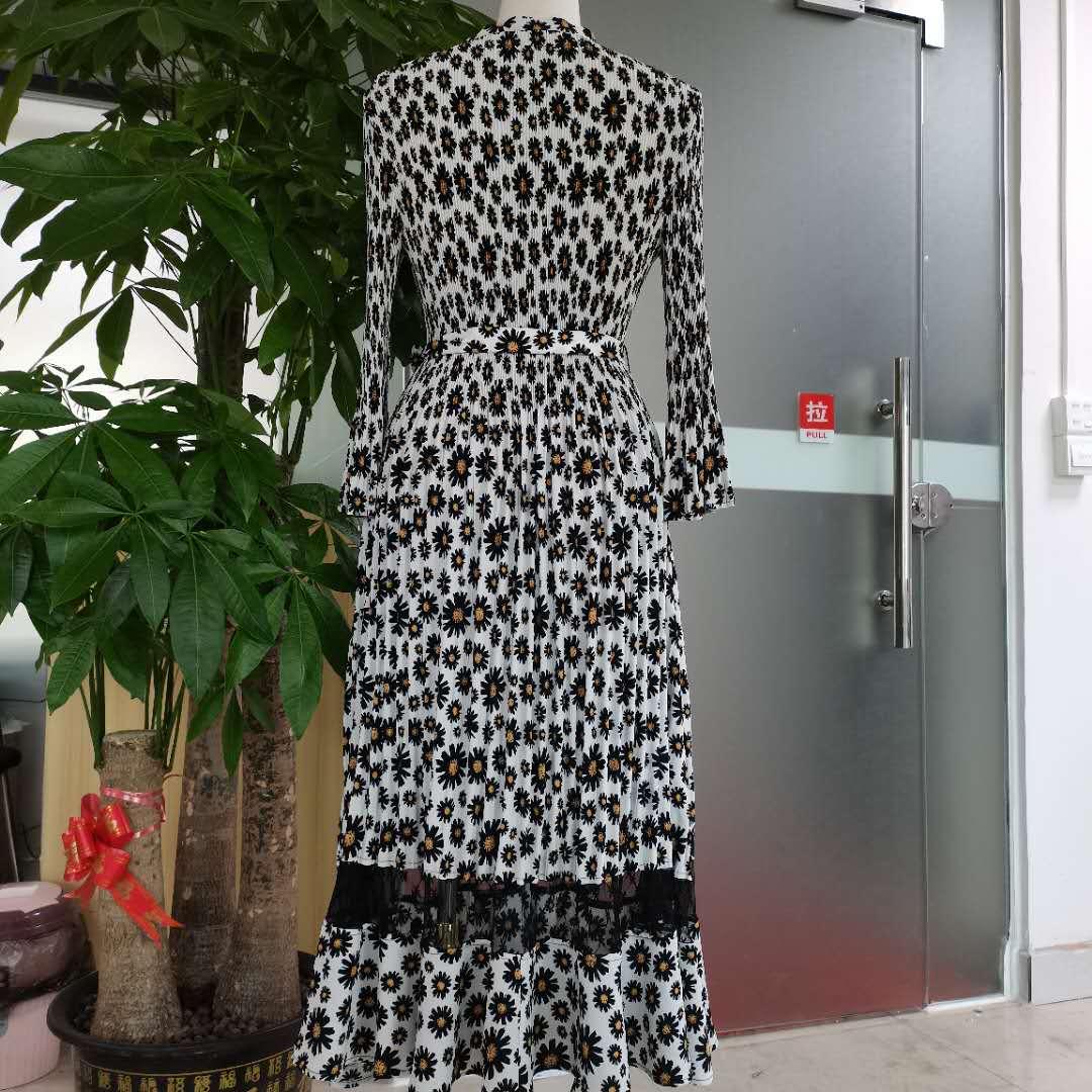 壓褶連衣裙