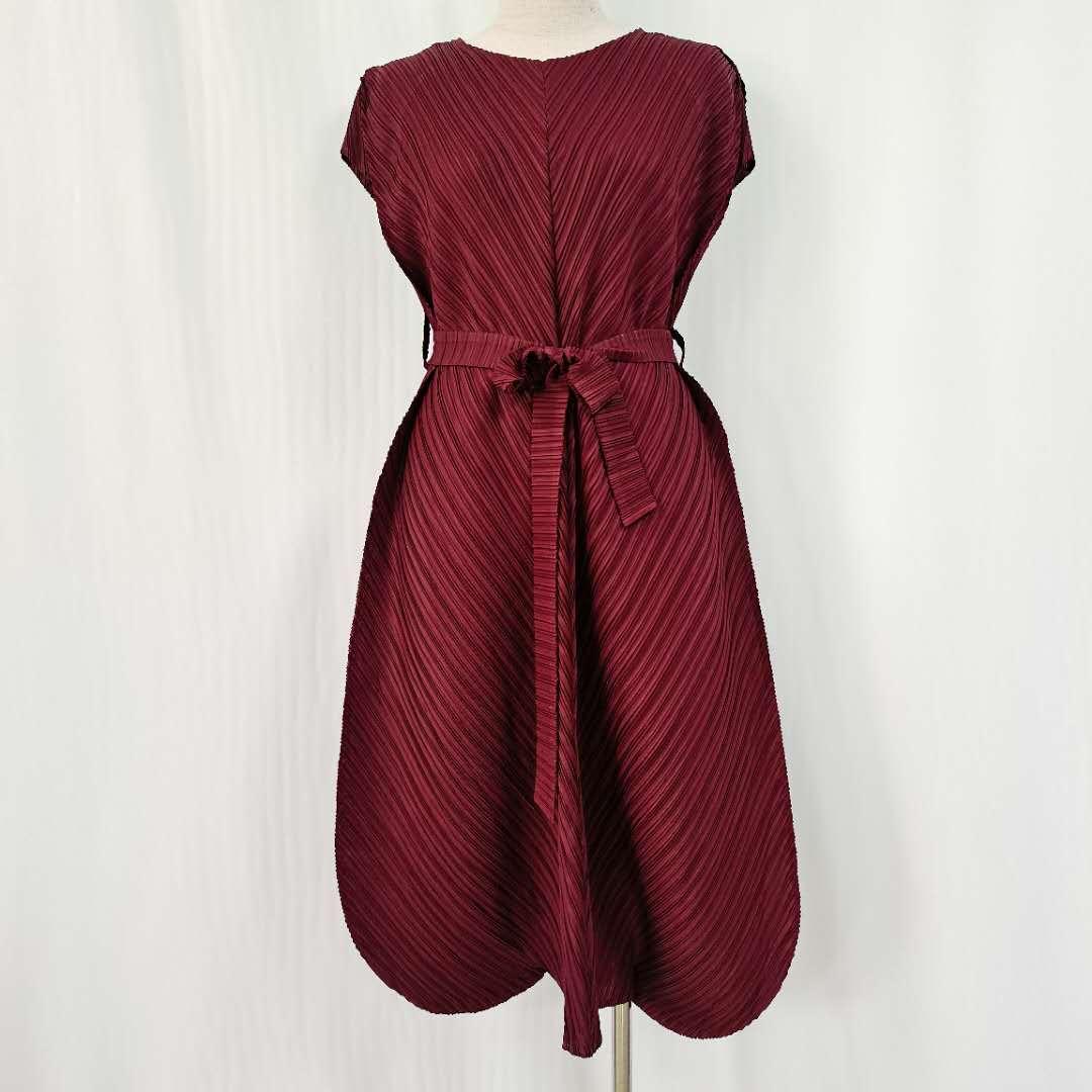 褶皺連衣裙