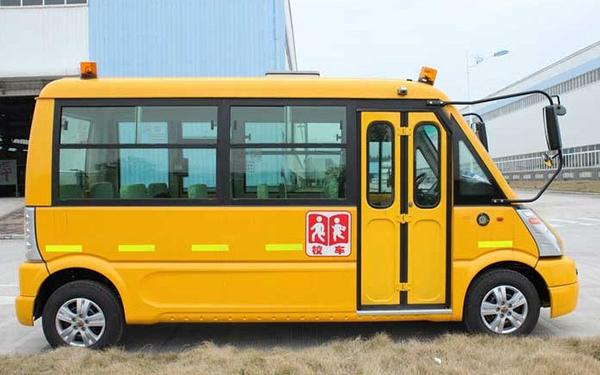 五菱19座汽油版GL6507XQ