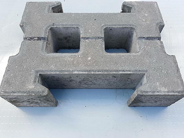 自锁护坡砌块