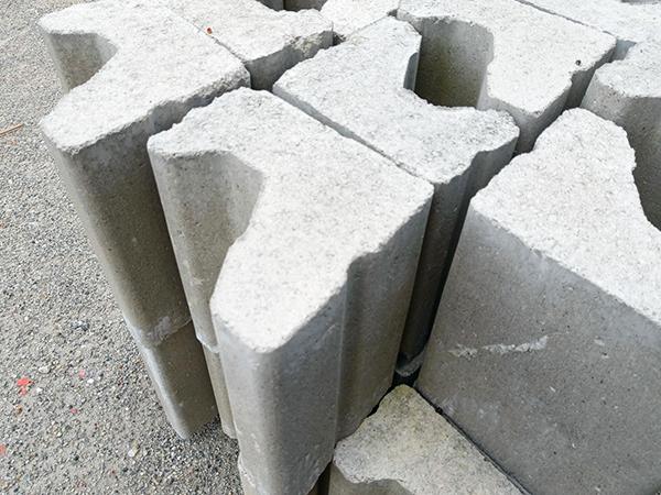 自锁型生态挡墙砌块
