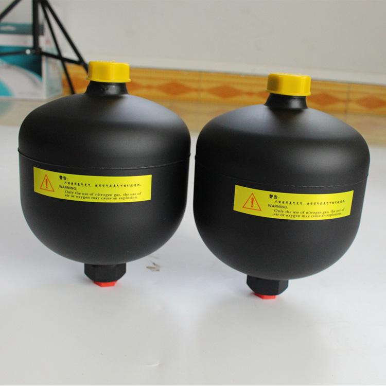 國產隔膜式蓄能器工作原理_象力液壓_0.32L_工程_3L_托環