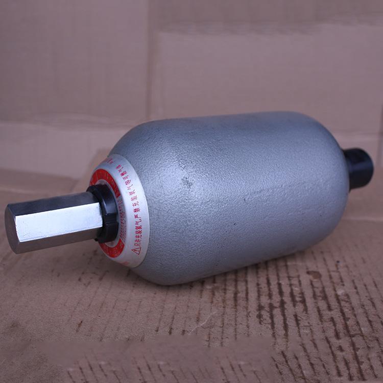6.3L蓄能器廠家_象力液壓_25L_水泥泵車_1.6L