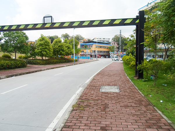 茶山鎮京山村麻石路改造工程-限高門架