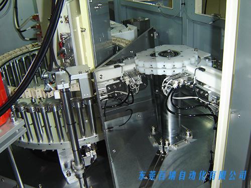 自动X射线检查机内景
