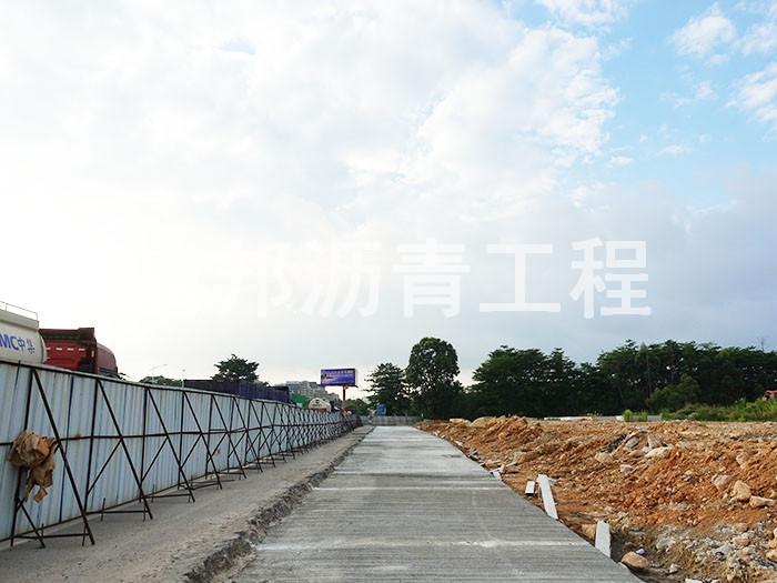 东莞松山湖大道地铁口道路恢复