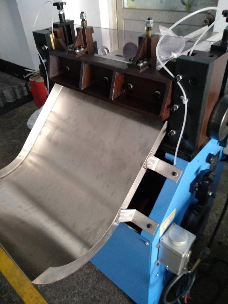 東莞浩信/浩信機械/浩信_半自動_灰板板紙中心條機專業生產加工