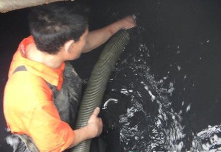 塘厦马桶疏通,抽粪,清理化粪池,24小时快速上门服务。
