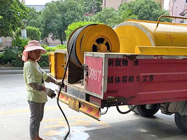 东莞石龙专业疏通马桶