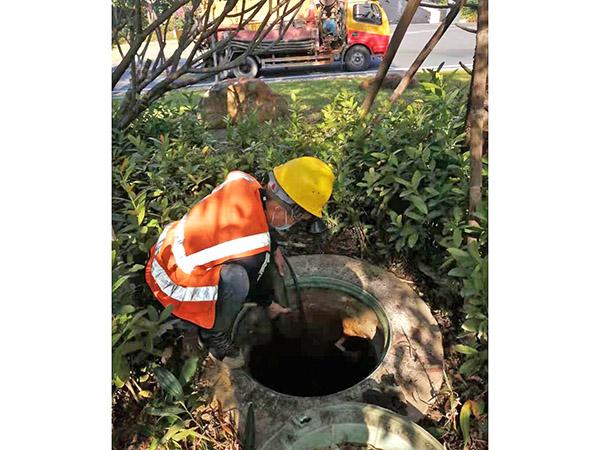 高压车疏通下水道工程