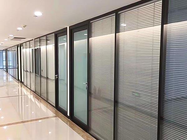 辦公室玻璃百葉隔斷